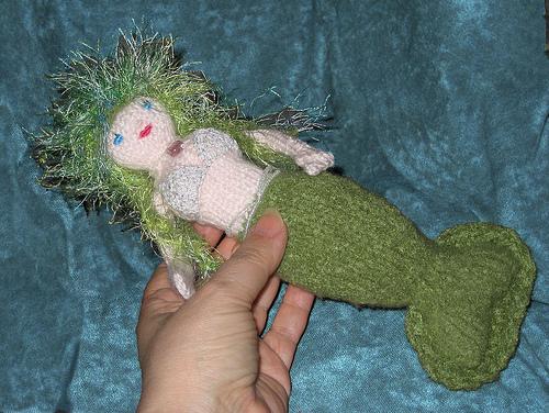 Mossalia Mermaid in my hand